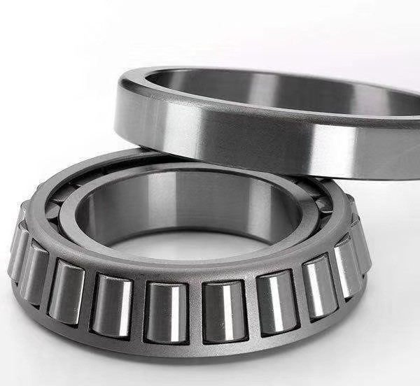 Truck Use SKF Tapered Roller Bearing 30206 Bearing